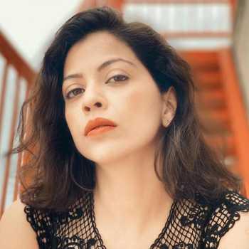 Celebrity Deepali Pansare - Tring India