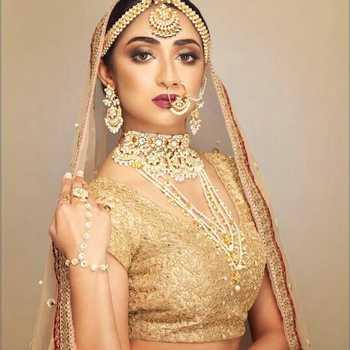 Celebrity Astha Asija - Tring India
