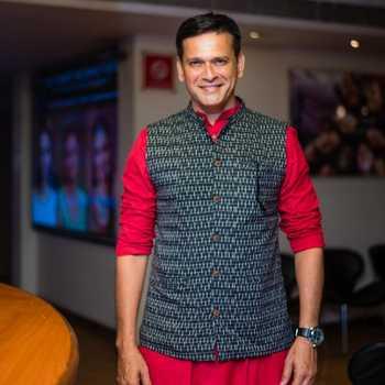 Celebrity Sameer Dharmadhikari - Tring India