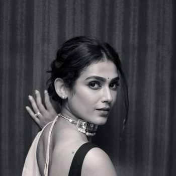 Celebrity Aakanksha Singh - Tring India