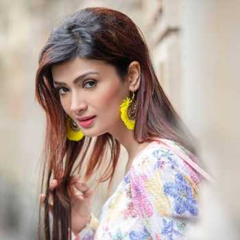 Celebrity Ishita Vyas - Tring India