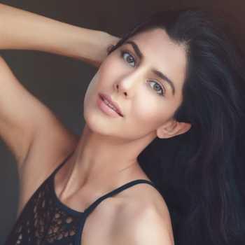 Celebrity Devika Singh - Tring India