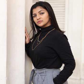 Celebrity Bhoomika Kadam - Tring India