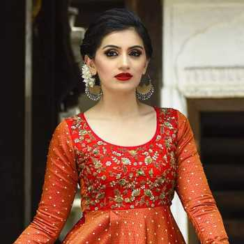 Celebrity Sneha Chavan - Tring India