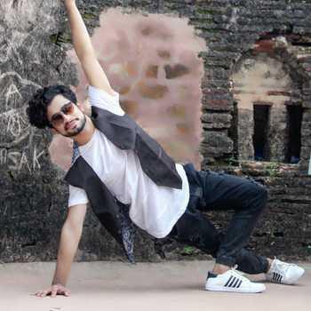 Celebrity Raja Vyas - Tring India