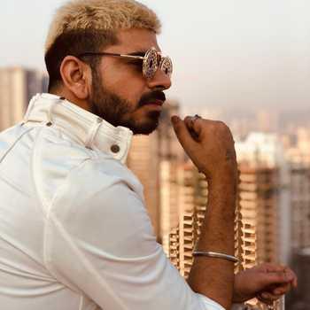 Celebrity Yash Waddali - Tring India