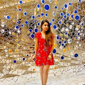 Celebrity Gayatri Sahadev - Tring India