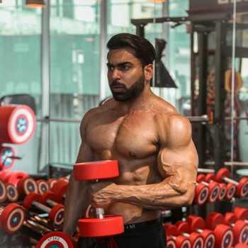 Celebrity Junaid Kaliwala - Tring India