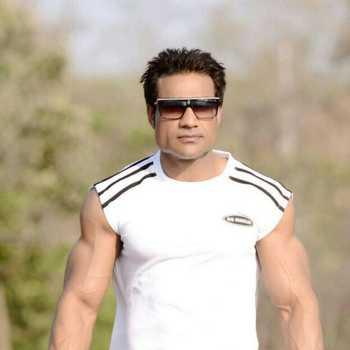 Celebrity Malik - Tring India