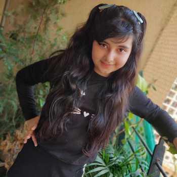 Celebrity Myra Singh - Tring India