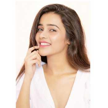 Celebrity Akshayaa Gurav - Tring India