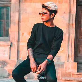 Celebrity Darshan Rawet - Tring India