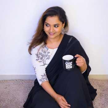 Celebrity Tanvi Parekh - Tring India