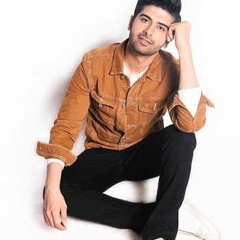 Celebrity Darasing Khurana - Tring India