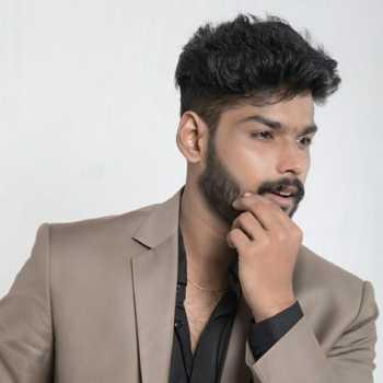 Celebrity Akshay Partha - Tring India