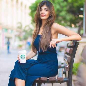 Celebrity Bhakti Khajuriya - Tring India