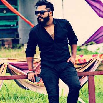Celebrity Aparm Tomar - Tring India