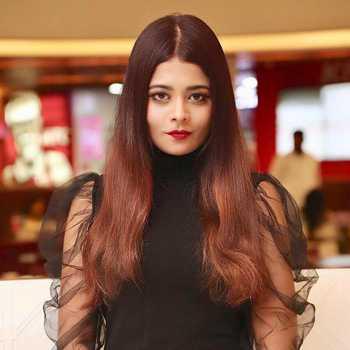 Celebrity Rini Ghosh - Tring India
