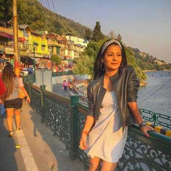 Celebrity Shubhangi Pant - Tring India