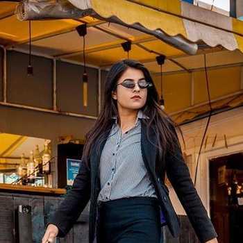 Celebrity Khushi Borana - Tring India
