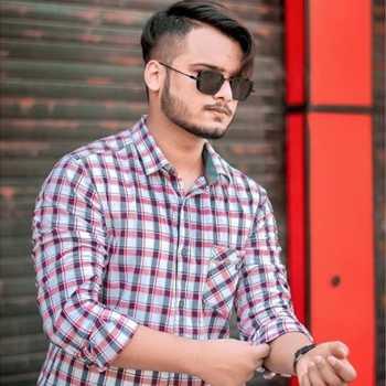 Celebrity Abdul Zubarti Meraj - Tring India