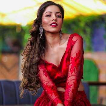 Celebrity Zaiinab The Queen - Tring India