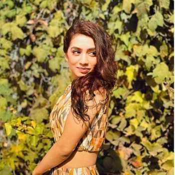 Celebrity Dhwani Shah - Tring India