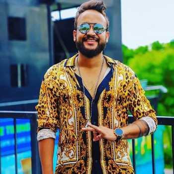 Celebrity Bhuvan Singh - Tring India