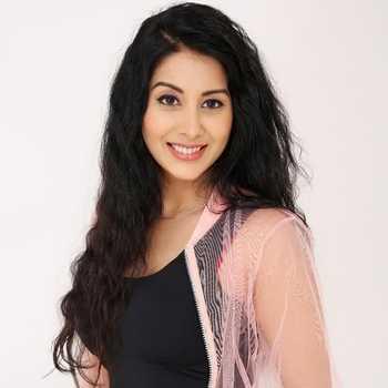 Celebrity Simran Khanna - Tring India