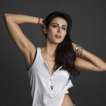 Celebrity Mandana Karimi - Tring India