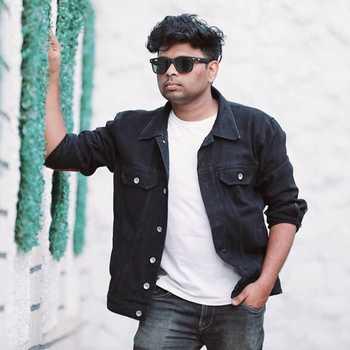 Celebrity Vivek Sawant - Tring India