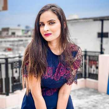 Celebrity Kirandeep Kaur - Tring India