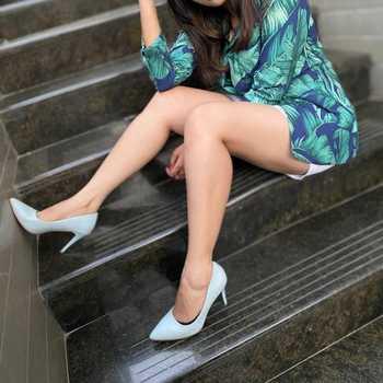 Celebrity Sonali Boliya - Tring India