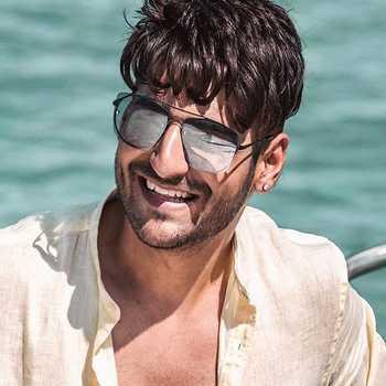 Celebrity Karan Singh Arora - Tring India