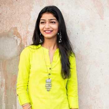 Celebrity Priyanshi Srivastava - Tring India