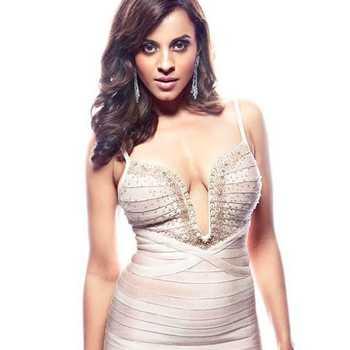 Celebrity Manasi Scott - Tring India