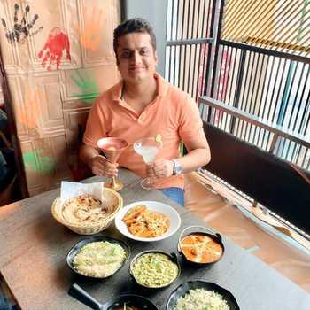 Celebrity Akshay Davda - Tring India