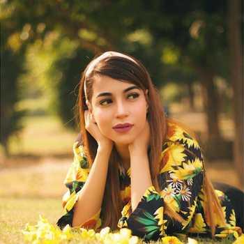 Celebrity Sonam Duklan - Tring India