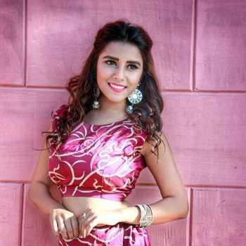 Celebrity Sneha Bawsar - Tring India