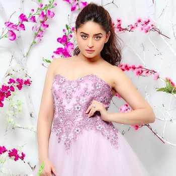 Celebrity Mahhi Vij - Tring India