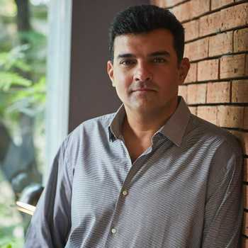 Celebrity Siddharth Roy Kapur - Tring India