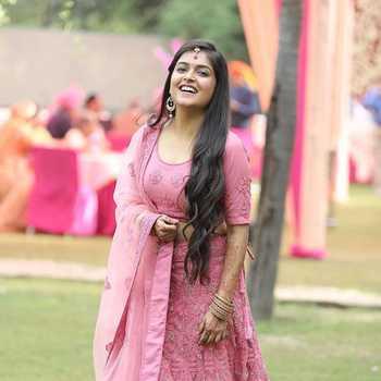 Celebrity Sonal Kaushal - Tring India