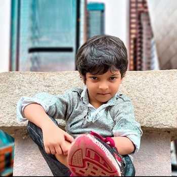 Celebrity Sadim Khan - Tring India