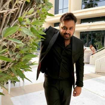 Celebrity Akshay Laxman - Tring India