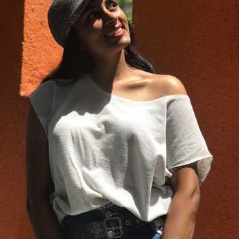 Celebrity Bhavna Purohit - Tring India