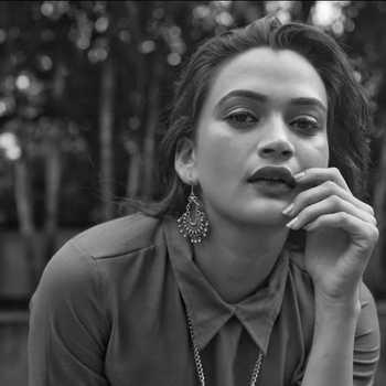 Celebrity Smita Jha - Tring India