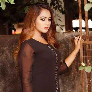 Celebrity Pooja Prajapati - Tring India