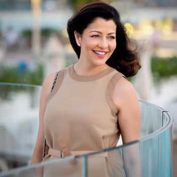 Celebrity Aditi Govitrikar - Tring India