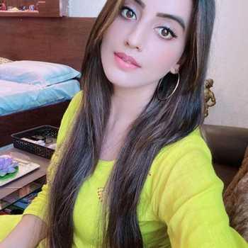 Celebrity Akshara Singh - Tring India