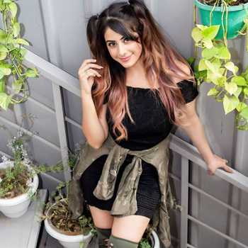 Celebrity Mehak Sethi - Tring India